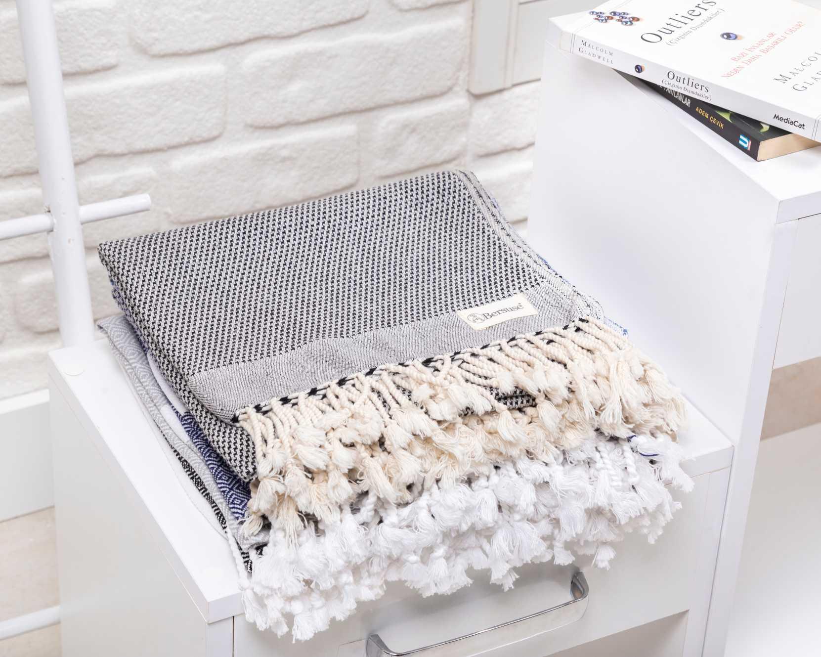 Ventura Hand Towel